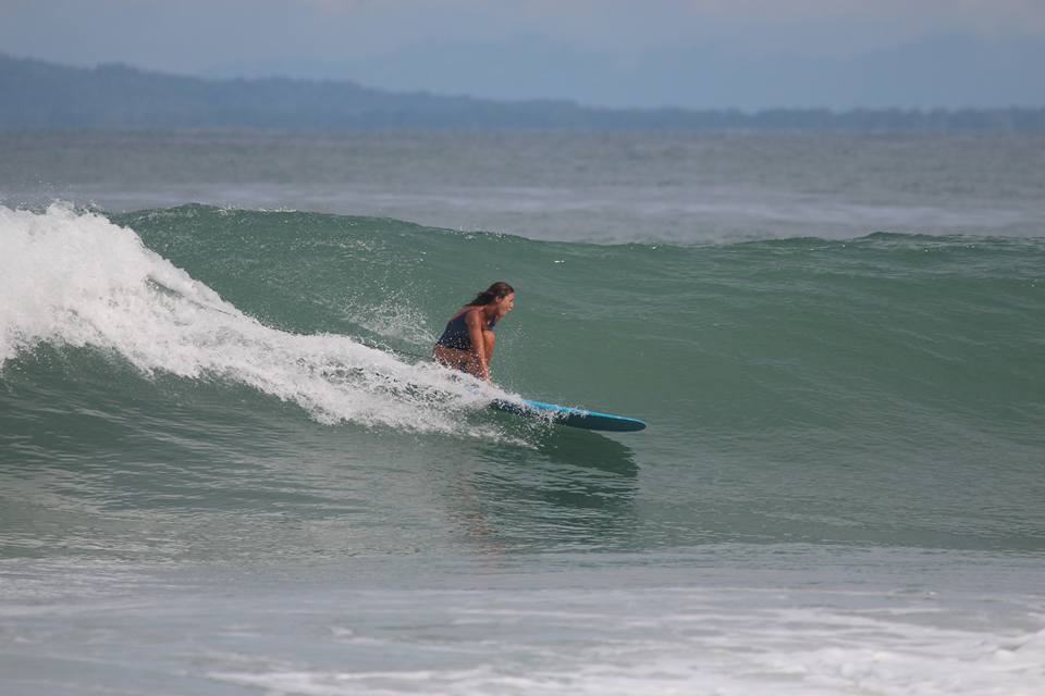 beth alfonso surfing costa rica